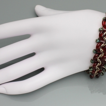 Racing Stripe Bracelet- Chainmaille with glass- Champagne/Red