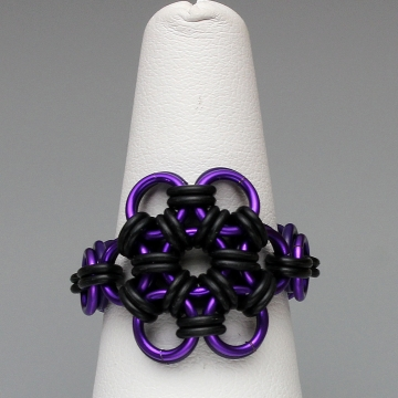 Rubber Bloom Ring- Chainmaille with rubber- Purple/Eggplant